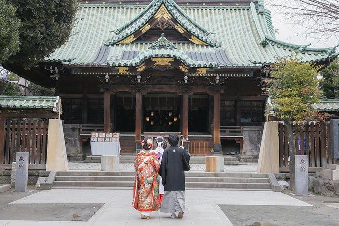 Kimono wedding photo shot in Shrine ceremony and garden