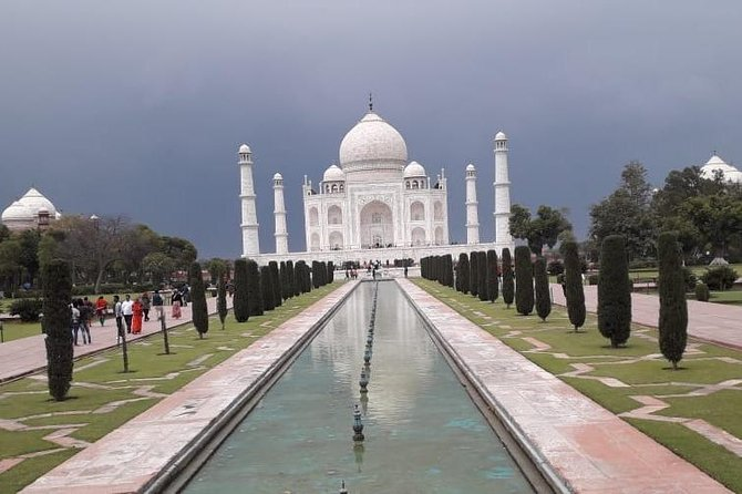 Full-Day Private Agra Tour with Pick Up and Lunch