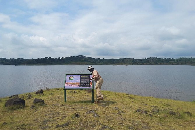 Private full day guided tour to Arusha National Park