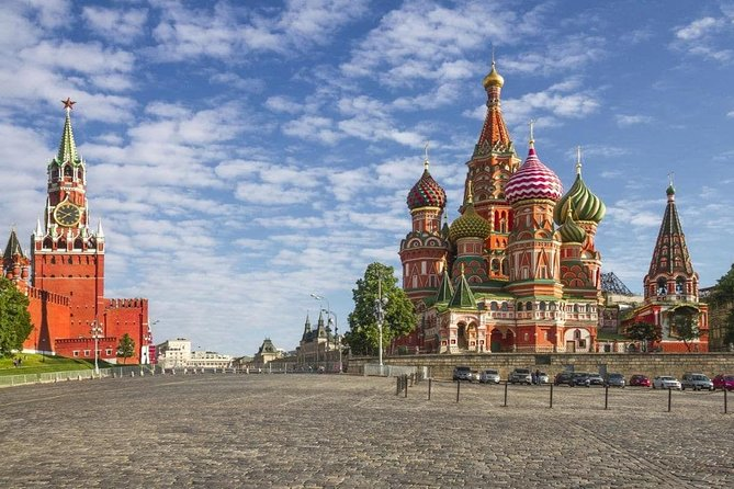 Private Tour: Moscow Highlights from Pushkinskaya to Red Square + Metro + Food