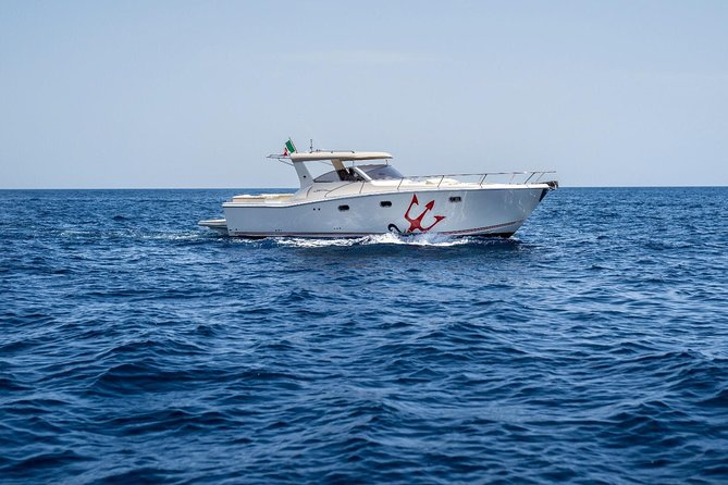 Luxury Charter No restricted destination (Free Day at sea)