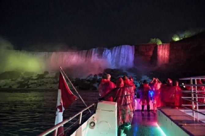 Toronto to Niagara Falls Night/Day Tour with Boat Tour