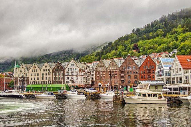 Departure Private Transfer from Bergen City to Bergen Airport BGO by Minibus