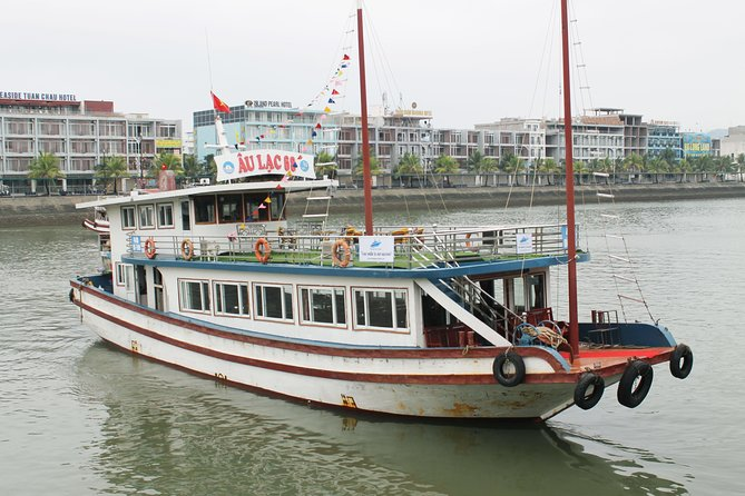Halong Full-Day Tour from Hanoi with Lunch, Boat Trip & Kayak