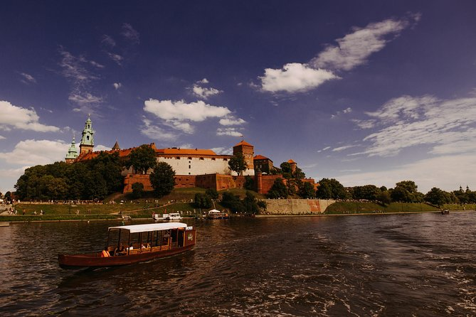 Gondola cruise The Vistula River Krakow private tour up to 12 person
