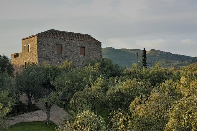 Private Tour in Historic Estate in Monemvasia with wine-olive oil tasting & meal