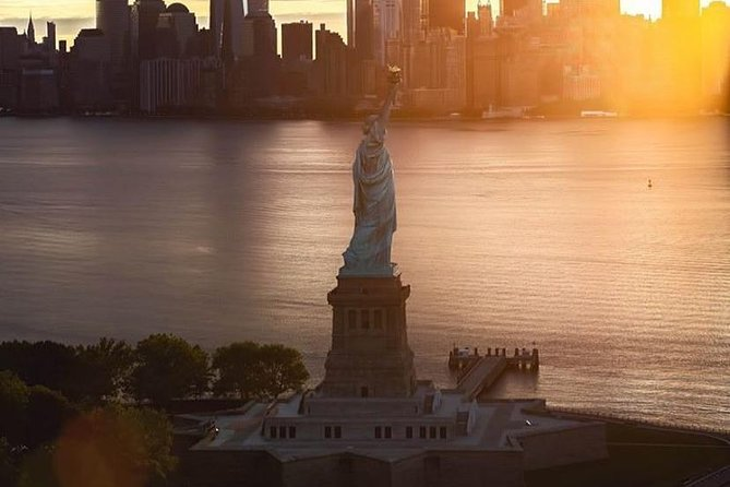 Statue of Liberty, Empire State, Ground Zero Guided with VIP Access