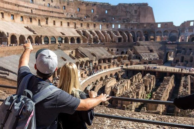 Colosseum Discovery Tour : Small-Group Guided Tour (Direct Entry)