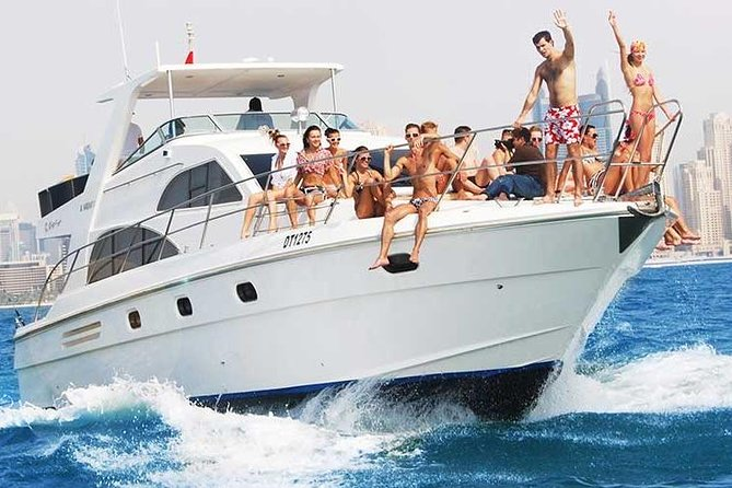 Excursive Luxury Yacht Ride