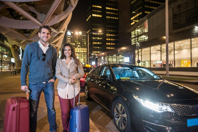 Private ROUND-TRIP transfer from Paris Charles de Gaulle Airport to Paris City