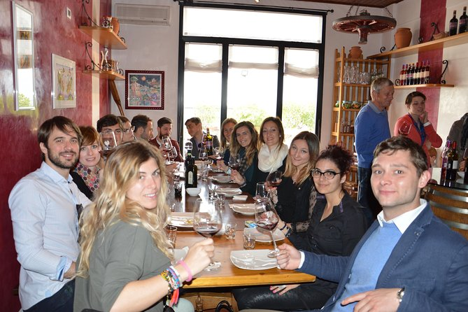 Wines & Bruschettas Tasting in Chianti (Visit/Tour at the Winery included)