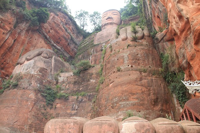 Chengdu Leshan Buddha and Shuangliu International Airport(CTU) Drop off Day Tour