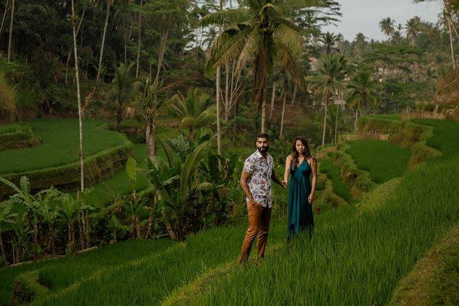 Iconic Photoshoot At The Ubud Kajeng Rice Fields With Local Pro-Photographer
