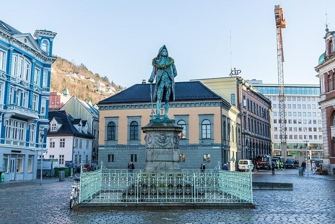 Departure Private Transfer from Bergen City to Bergen Cruise Port by Minivan