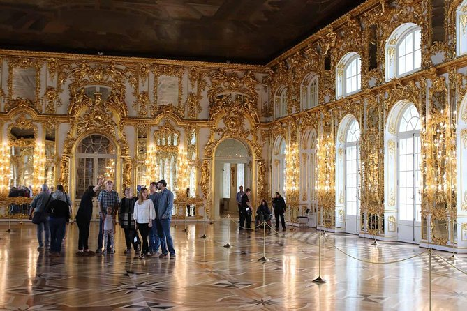 Hermitage Tour with OFFICIAL GUIDE and special tickets V.I.P