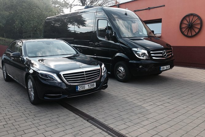 Large group Private Transfer from Vilshofen to Prague or Prague to Vilshofen