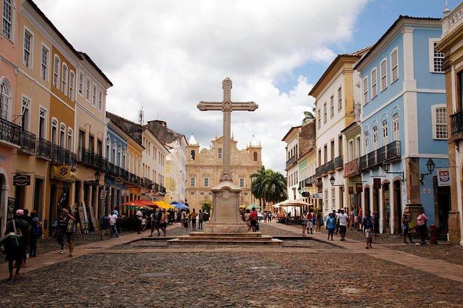 City Tour Histórica do Pelourinho e City Tour Panorâmico com Almoço