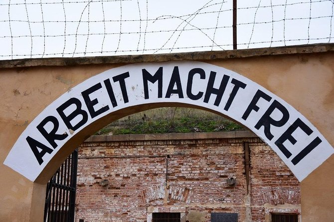 Private transfer Salzburg → Vienna with stop in Mauthausen Concentration Camp