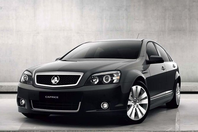 Departure Private Transfer Melbourne City to Melbourne Airport MEL by Sedan Car