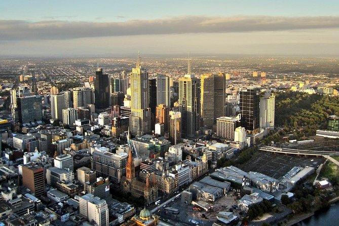 Arrival Private Transfer Melbourne Airport MEL to Melbourne City by Sedan Car