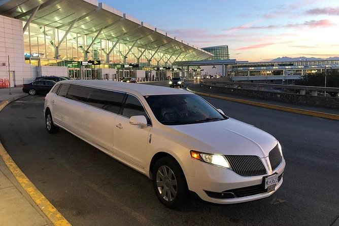 Arrival Private Transfer Philadelphia Airport PHL to Philadelphia by Limousine