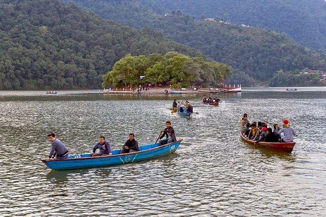 1 Hours Fewa Lake Rowing Trip From Pokhara
