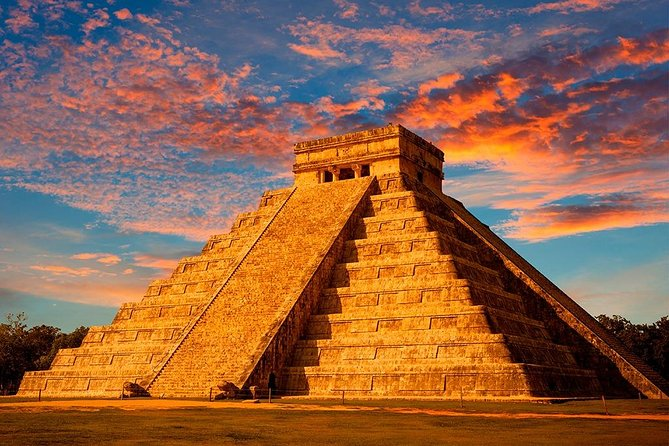 Chichen Itza, The greatness of the Mayas: Creation legends Tour