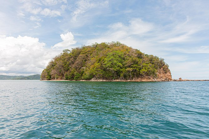 Moonbay Island (SK) + Rasa Ria Buffet Dinner Daytrip