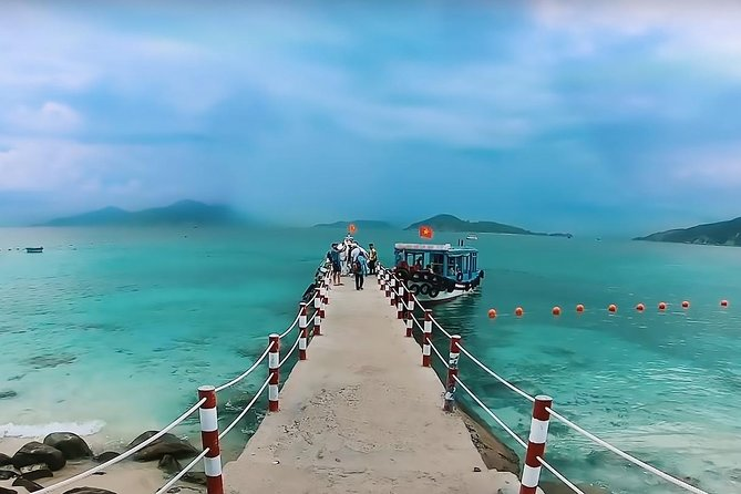 Nha Trang Day Tour with Snorkeling, Hot mineral spring and tea party at SkyLight