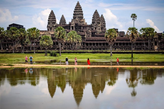 1-Day Private Angkor Wat Tour with Sunrise