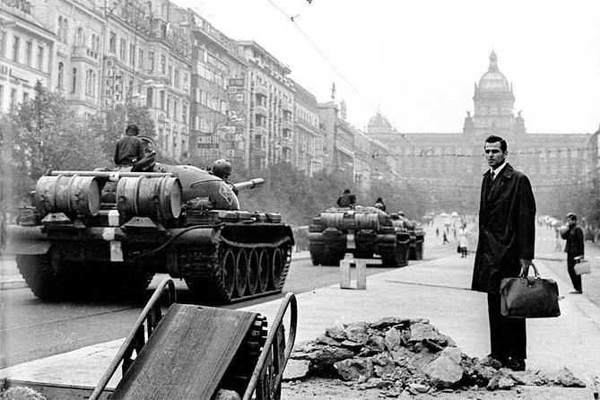 Communism and Bunker Walking Tour in Prague