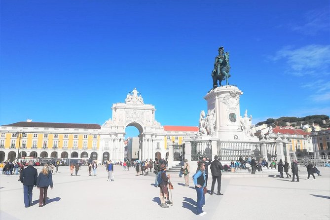 Lisbon Small Group Tour of Must See Sites with a Native Guide & Pasteis de Nata