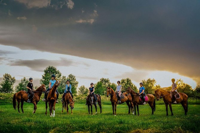 All-inclusive Horse riding & Jeep exploring