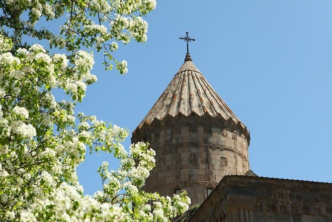 Full-Day Private Tour in Yerevan, Noravank, Areni and Carahunge