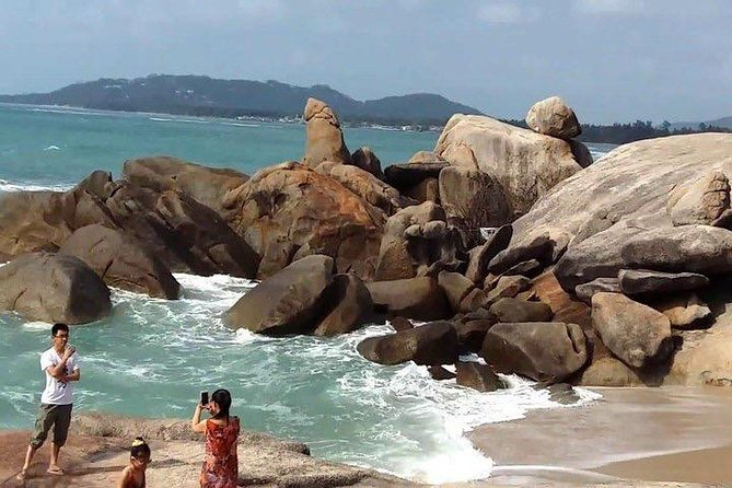 Ko Samui City Tour including Wat Phra Yai, Lat Ko Viewpoint, Hin Ta Hin Yai Rock