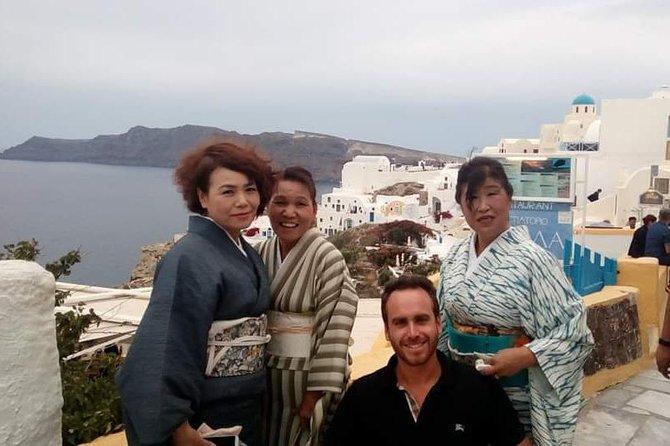4-hour Private Tour Santorini Caldera View with Hotel Pickup