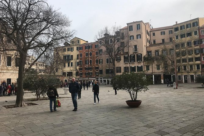 Cannaregio: art and history (free tour to Murano included)