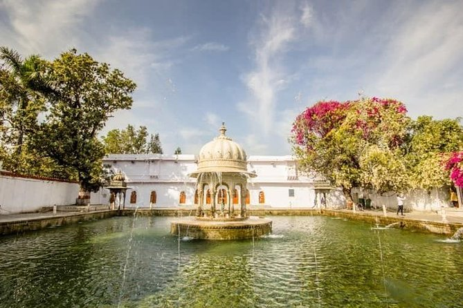 Private Sightseeing Tour of Udaipur With Optional Guide