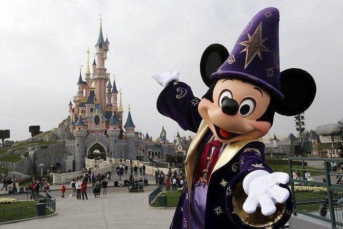 Disneyland® Paris 2 Parks with private transfer (1, 2, 3 or 4-day tickets)