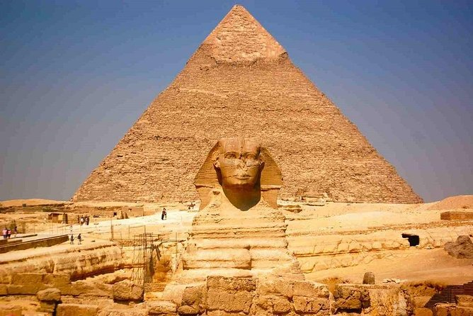 Half-Day Private Tour in Pyramids of Giza from Cairo