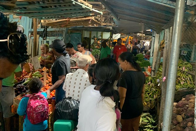 Contrast tour: get to know the local life in the neighborhoods of Santo Domingo