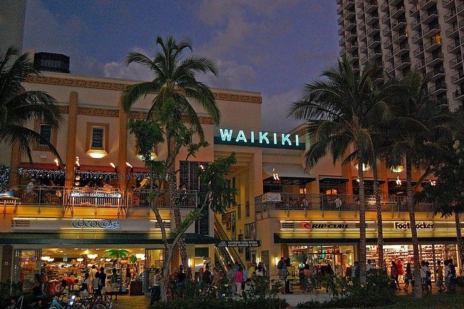 After Dinner Tour along the Famous Waikiki Beach Strip