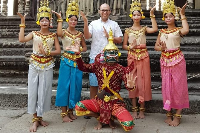 Siem Reap Tour Guide ( VIP Private Sunrise Tour, Angkor Wat, Bayon & Ta Prohm )