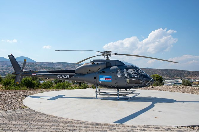 Private Helicopter Sightseeing Tour Santorini 30 minutes - up to 5 passengers