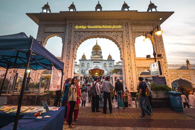 Famous Delhi Temples & Spiritual Sites Tour