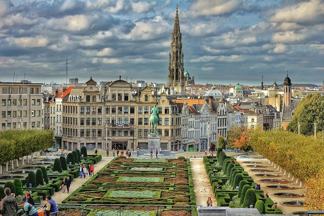 Private 4-hour Walking Tour of Brussels with official tour guide