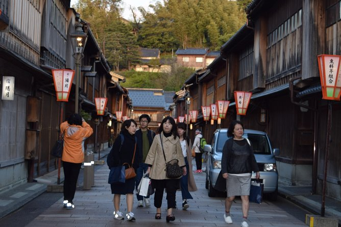 Must See Kanazawa With A Local: Private & Personalized