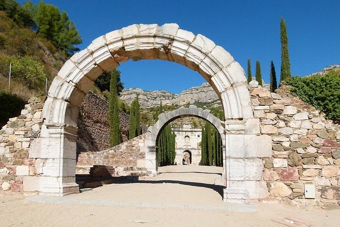Siurana Escaladei & Vinos -Reduced group and hotel pick-up From Salou / Tarragona