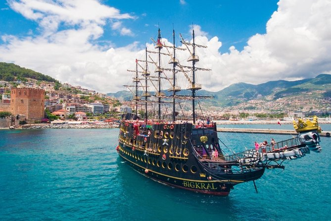from Side: Pirates Boat Tour and free time in Alanya