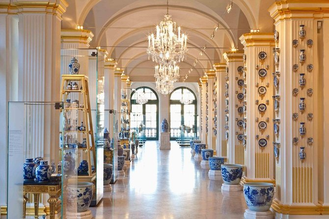 Private transfer from Berlin to Prague with Meissen Porcelain Manufactory stop